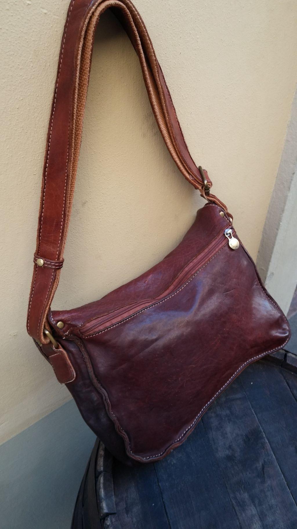 FL4013-messenger-bag-in-vacchetta-lavata-2